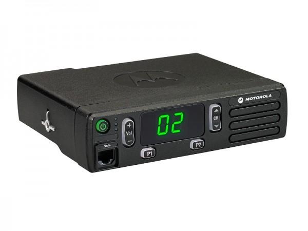 DM1400 Mobilfunkgerät UHF 403-470MHz, Mikro + Montagesatz RLN6466 + Batteriekabel